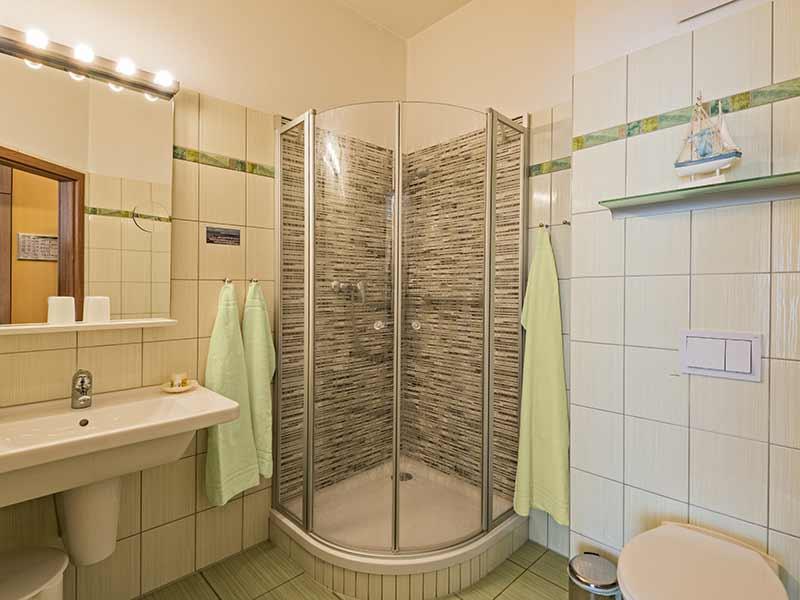 Hotel Strandhus Herrgott Badezimmer