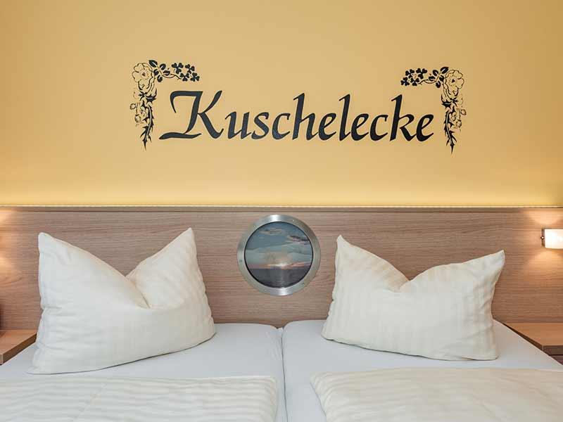 Hotel Strandhus Herrgott Bett Detail